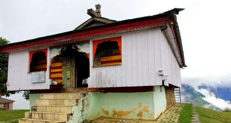 Bijli Mahadev – A Temple in Kullu that You cannot Miss